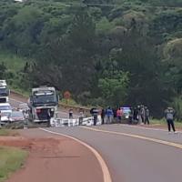 Tareferos cortan la ruta 14 entre Oberá y Campo Viera