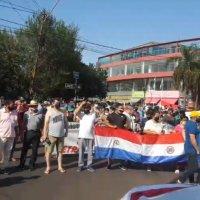 Manifestación por la reapertura del puente: Ante la negativa de Argentina, Itapúa apuntaría a la obra pública para salir de la crisis