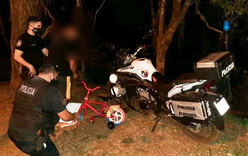 Detuvieron a dos jóvenes acusados de robar un horno eléctrico, una bicicleta y unamotoguadaña