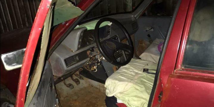 Un joven fue captado por las cámaras de videovigilancia mientras robaba en un auto y quedódetenido