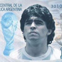 Juntan firmas para que se emitan billete de $10 mil con la imagen de Maradona