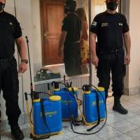 Familia donó mochilas hidrantes para incendios forestales