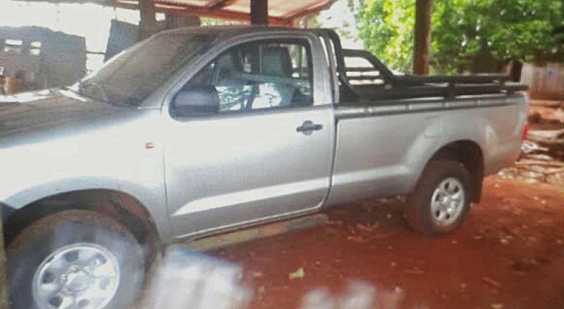 Encapuchados robaron una camioneta a manoarmada