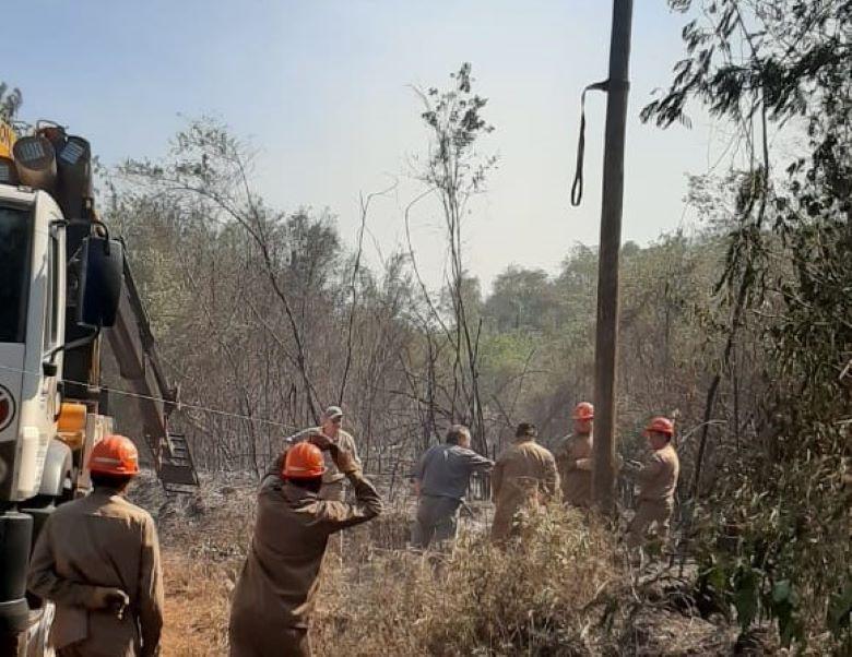Incendio en Mártires consumió postes de la línea 13,2Kva