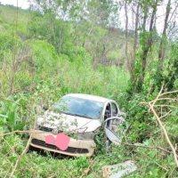 Auto impactó contra un camión en el Yazá