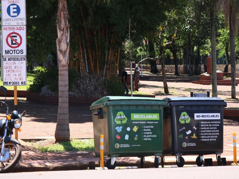 Instalaron contenedores de orgánicos e inorgánicos en elcentro