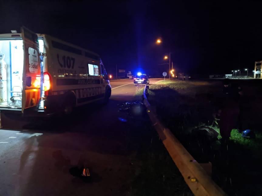 Motociclista perdió el control y chocó contra el guardarraíl en rotonda de avenida de lasAméricas