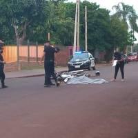 Motociclista murió tras ser chocado por una camioneta que se dio a la fuga en Estanislao del Campo y Tierra del fuego