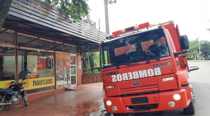Incendio ocasionó daños en un local sobre JoséIngenieros