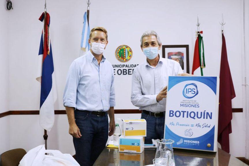 El presidente del IPS entregó un kits de barbijos y botiquín para el personalmunicipal