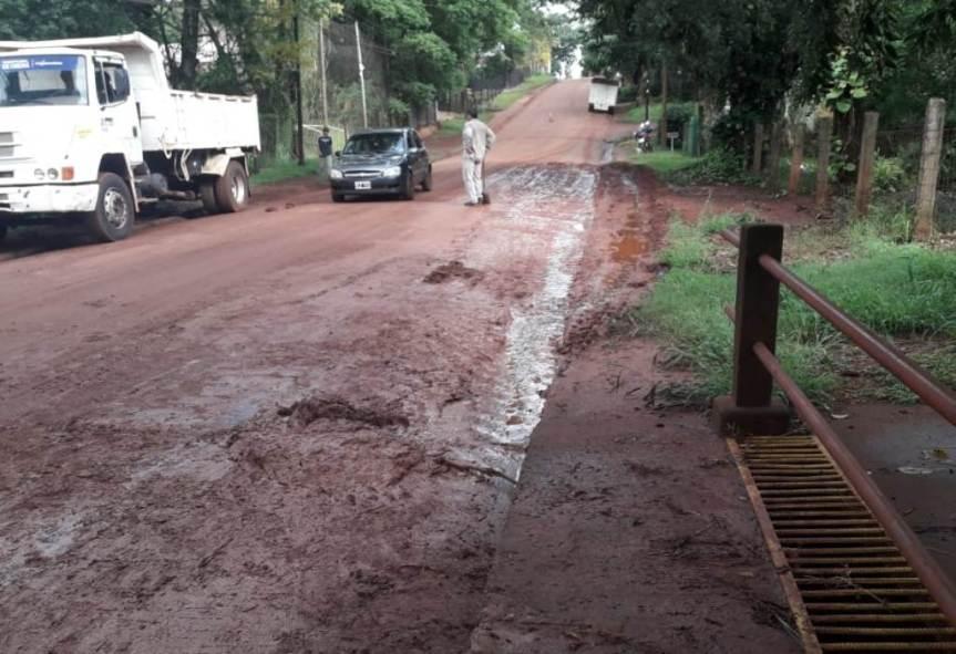 Realizan limpiezas de alcantarillado en Av. Yerbal Viejo, en calle Mar del Plata y enOrán