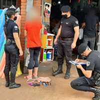 """Detuvieron a """"mechera"""" que robó utensilios de cocina y esmaltes en un local de calle French"""