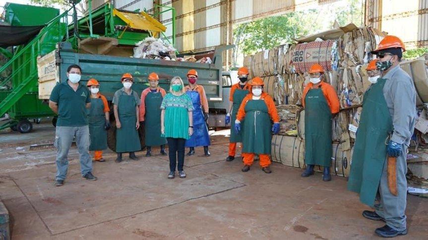 """Reabrieron la planta de reciclaje en Apóstoles tras 8 años de estar cerrada: """"mucha gente no perdió la costumbre de separar susresiduos"""""""