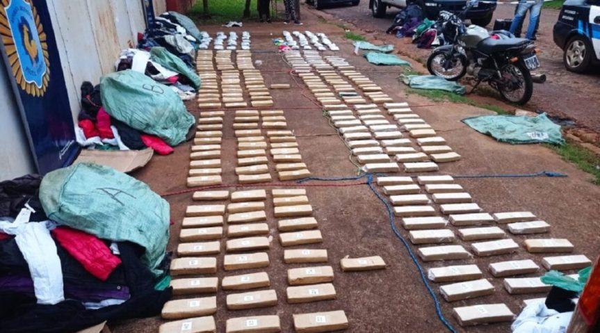 Incautaron más de 280 panes de marihuana y detuvieron a dosnarcos