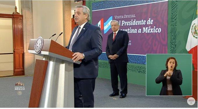 """Fernández calificó de """"payasada"""" las denuncias contra Ginés y justificó la vacunación defuncionarios"""