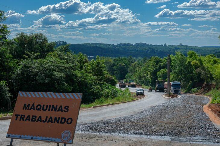 Vialidad completa la última etapa de asfalto en PuebloSalto