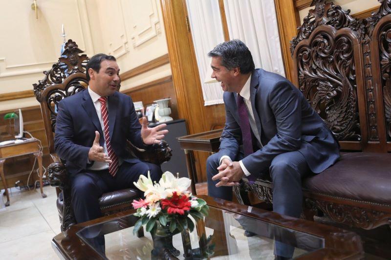 Valdés y Capitanich entre los gobernadores con mayor con imagenpositiva