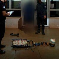 Demoraron a un adolescente en el Oberá 3 por robar zapatillas y una llave cruz en Stemberg