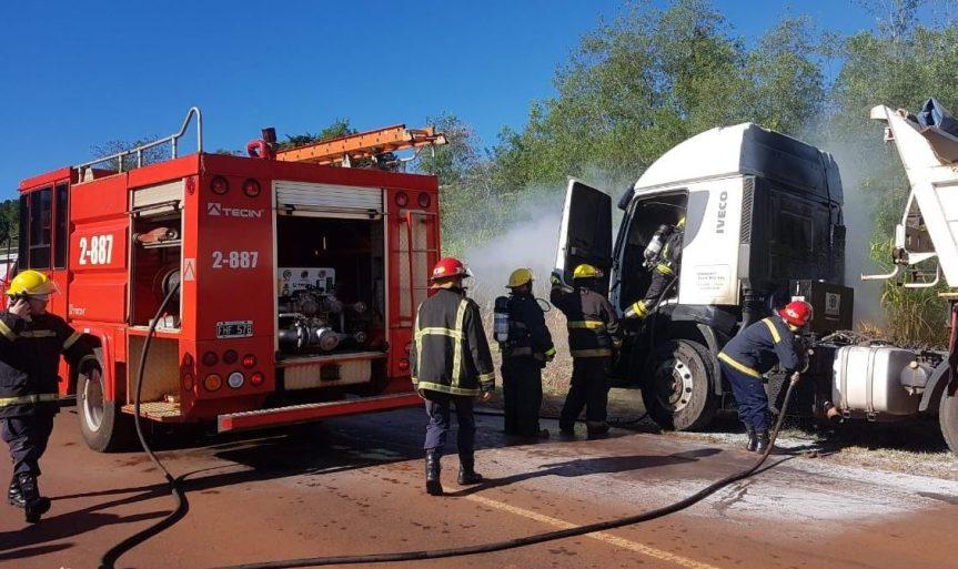 Un camión se incendió parcialmente en la ruta5