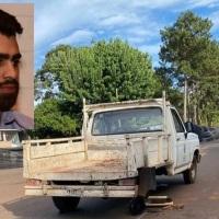 """Castillo sobre la camioneta municipal que se quedó sin una rueda: """"es el reflejo de la gestión... puro maquillaje"""""""