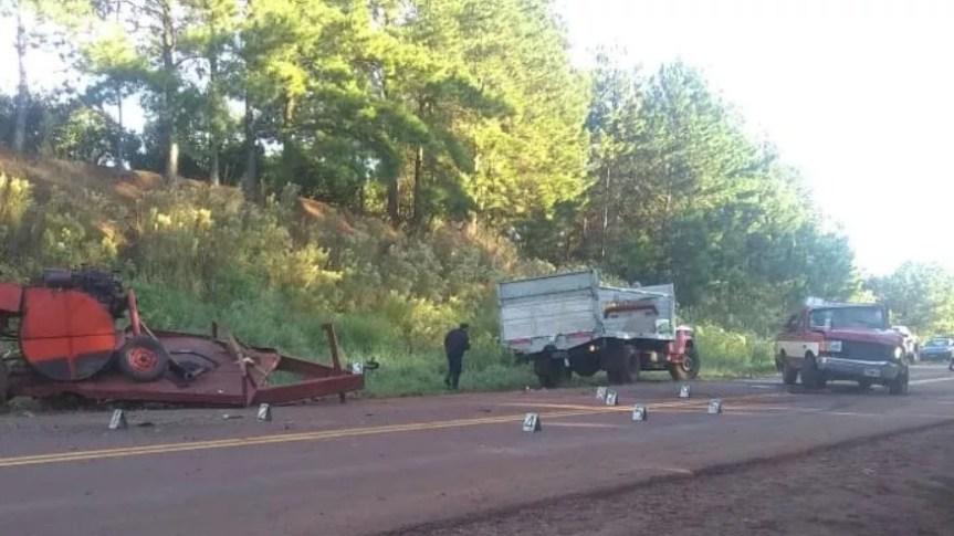 Choque múltiple en la ruta 9 involucró un camión, una cosechadora y unacamioneta