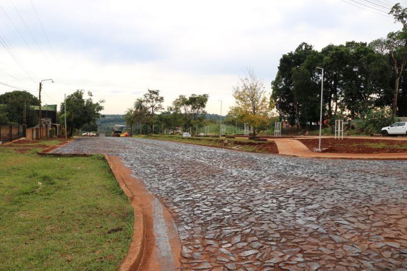 Iniciaron asfaltado de la Av. Picada Vieja y finalizan en calleUshuaia