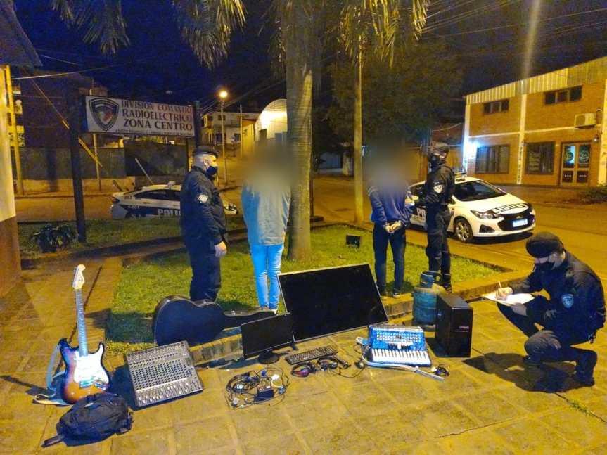 Atraparon a dos jóvenes y recuperaron varios objetos robados de un Centro Cristiano deStemberg