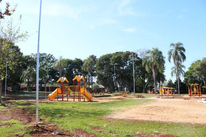 Realizan el mantenimiento de espacios públicos y la eliminación de micro basurales en losbarrios