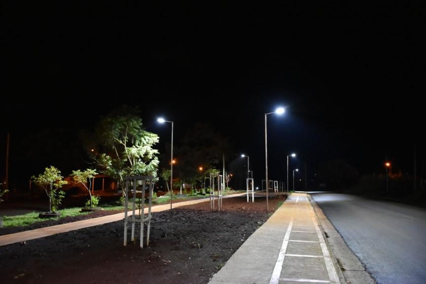 Pusieron en funcionamiento las 32 luces LED en Av. PicadaVieja