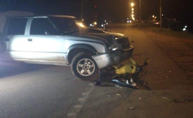 Motociclista falleció tras se impactado por una camioneta en la ruta14
