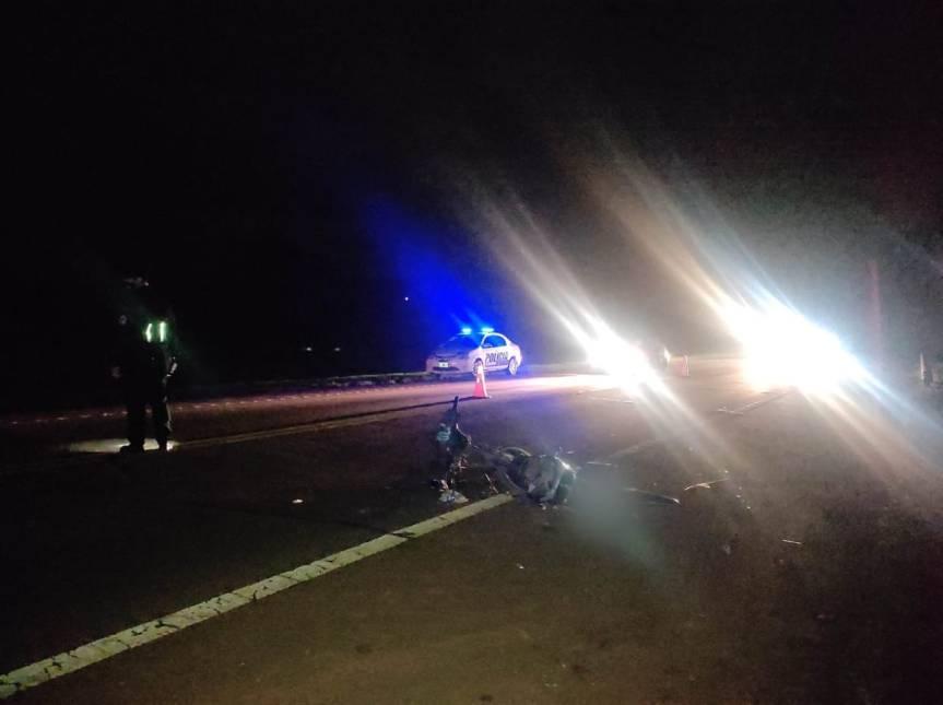 Choque entre una camioneta y una moto, dejo un jóven herido en CampoRamón