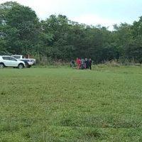 Hallaron colgado a un hombre cerca de una cancha de fútbol