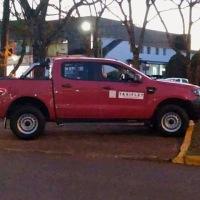 Dos sujetos asaltaron a un fletero, le robaron la camioneta y lo ataron a un árbol