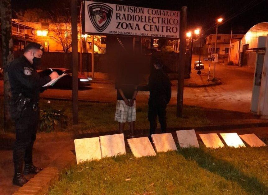 Lo sorprendieron llevándose cerámicas de una obra en construcción sobre avenidaPerón