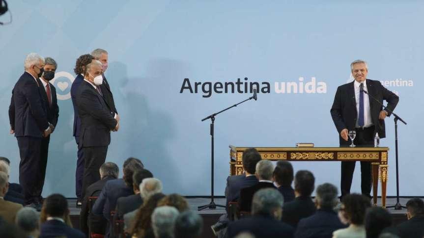 """Fernández: """"busqué aquellos que me acompañaron en el maravilloso gobierno de NéstorKirchner"""""""
