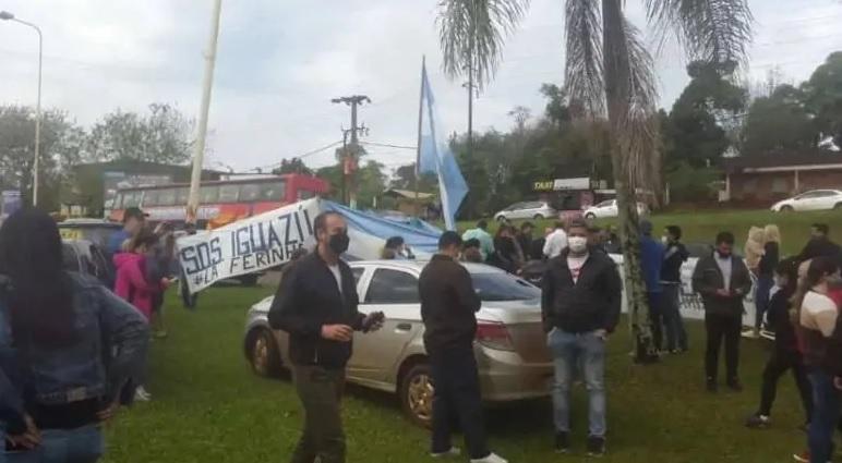 Protestan en Iguazú reclamando la reapertura del puente conBrasil
