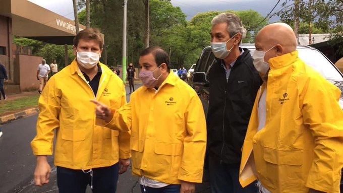 Ahuad y Fernández recorrieron obras de asfaltado enIguazú