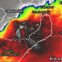 La tormenta abarca Misiones, parte de Corrientes, Paraguay y Brasil